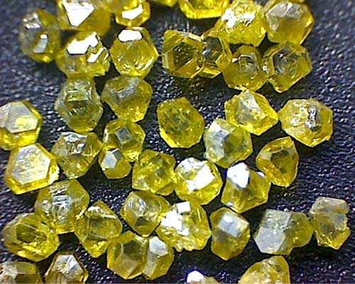 big size man made yellow synthetic diamond